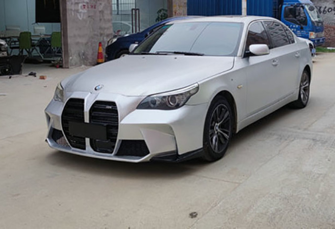 BMW 5 Reeks E60 met grille van nieuwe M3 is... lelijk #1
