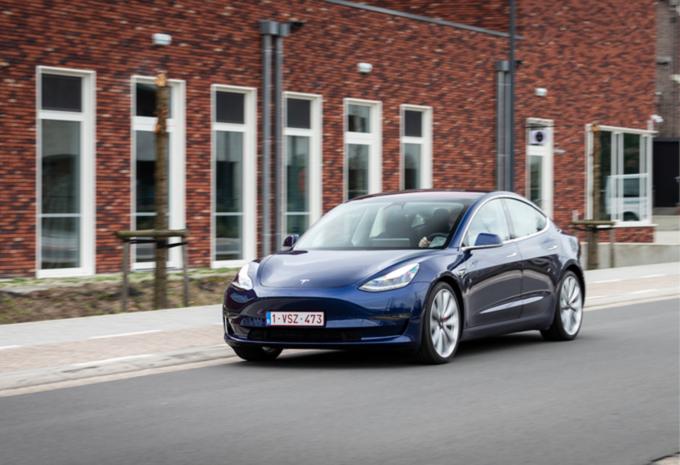 Tesla Model 3 Test Moniteur Automobile/AutoGids
