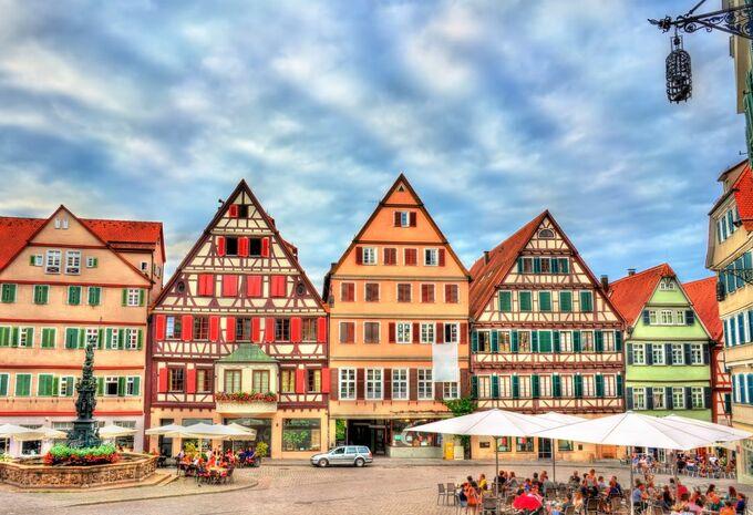 Duitse stad Tübingen wil hoger parkeertarief voor SUV'S en EV's