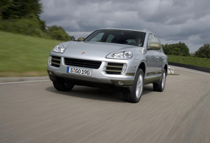 porsche cayenne s hybrid moniteur automobile. Black Bedroom Furniture Sets. Home Design Ideas