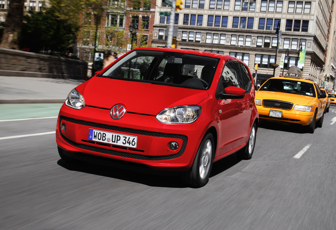 photos volkswagen up avec bo te robotis e asg moniteur automobile. Black Bedroom Furniture Sets. Home Design Ideas