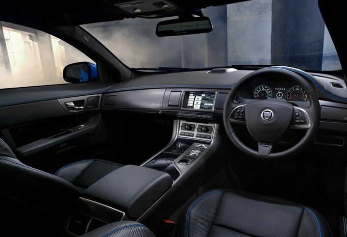 Jaguar XFR-S #4