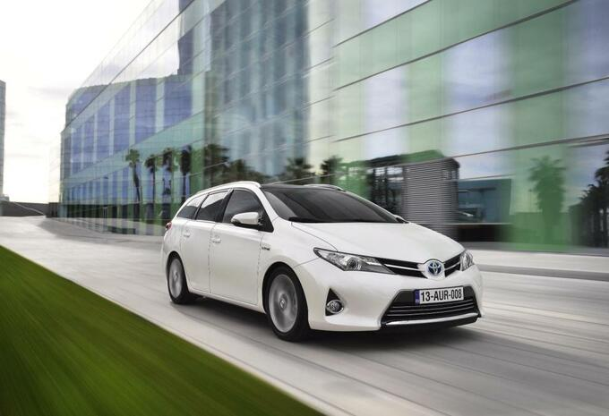 Toyota Auris Touring Sports #2