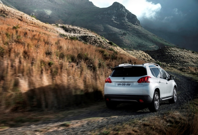 Peugeot 2008 Hybrid Air #2