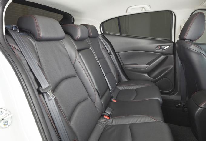 Mazda 3 Sedan #7