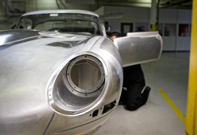 Jaguar hervat bouw E-Type Lightweight #1