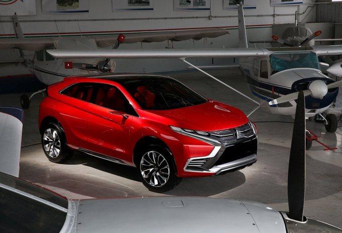 Salon Genève 2015 : Mitsubishi XR PHEV II, tout à l'avant #1
