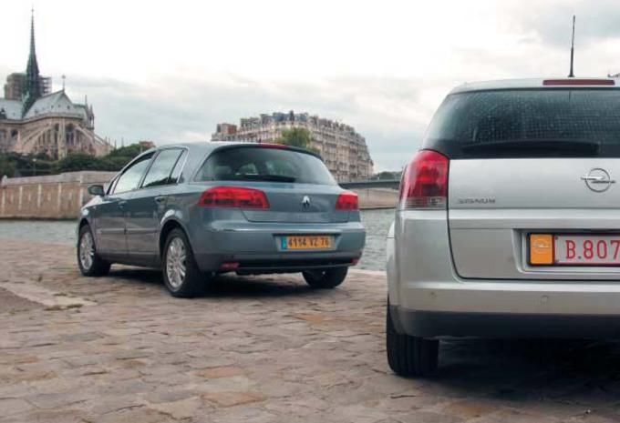 Opel Signum 2.2 DTI & Renault Vel Satis 2.2 dCi 115: Question de ligne ? #1
