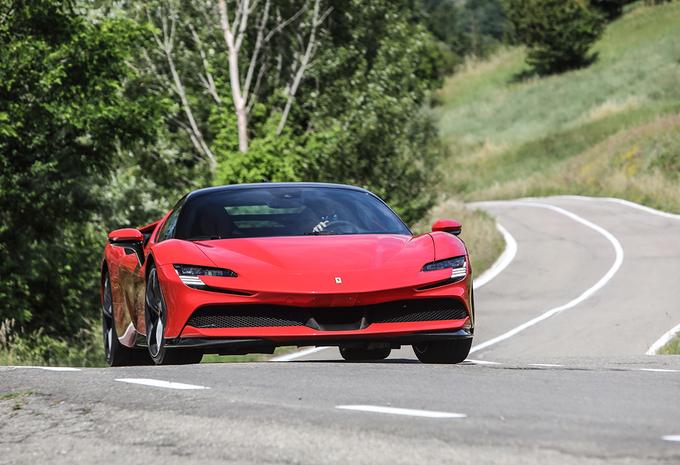 Ferrari SF90 Stradale : Elle chuchote à l'oreille des chevaux #1