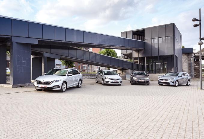 Skoda Octavia Combi vs Opel Astra Sports Tourer, Peugeot 308 SW en Kia Ceed Sports Wagon: uitpakken en wegwezen #1