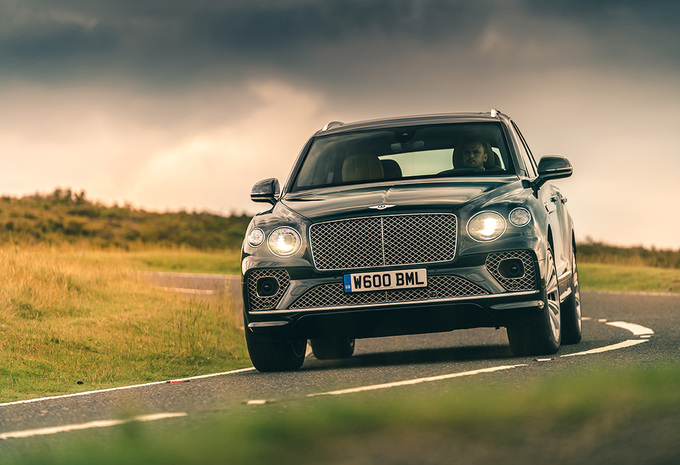Bentley Bentayga V8 (2020) #1