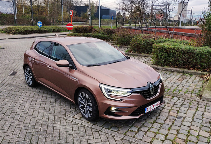 Renault Mégane 1.5 Blue dCi 115 EDC - lifting incognito #1