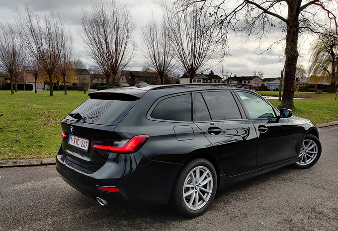 BMW 318i Touring (2021) #1