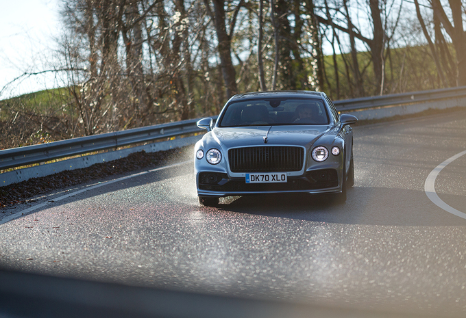 Bentley Flying Spur V8 : Firmin, passez-moi le volant! #1