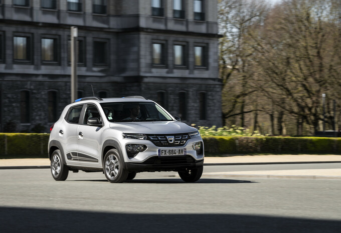 Dacia Spring: hoe rijdt de goedkoopste EV van allemaal?