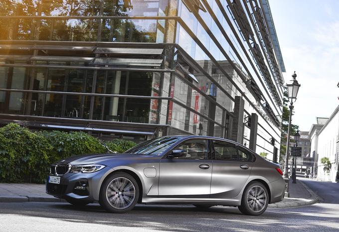 BMW 320e PHEV (2021) #1
