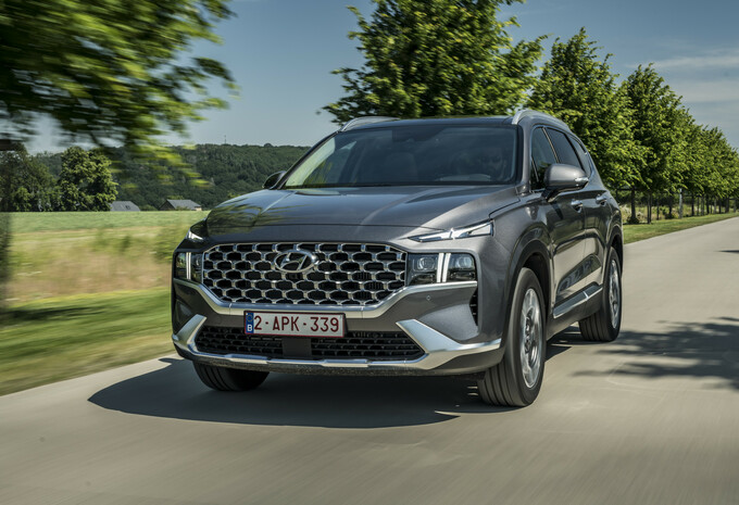2021 Hyundai Sante Fe Plug-in Hybrid - Review AutoGids