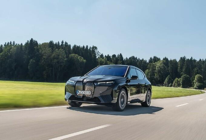BMW iX xDrive50 (2021) #1