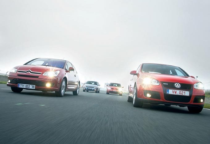 4 GTI: Citroën C4 VTS vs Opel Astra 2.0 Turbo vs Renault Mégane RS vs Volkswagen Golf GTI #1