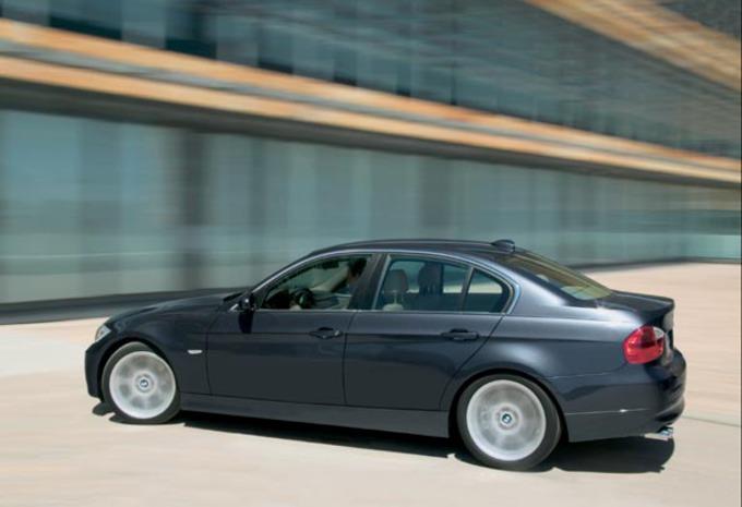 BMW 320 Si #1