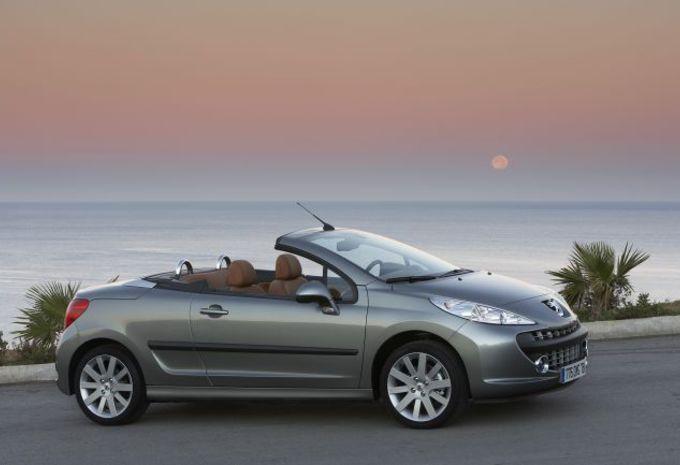 Peugeot 207 CC 1.6 T & 1.6 HDi #1