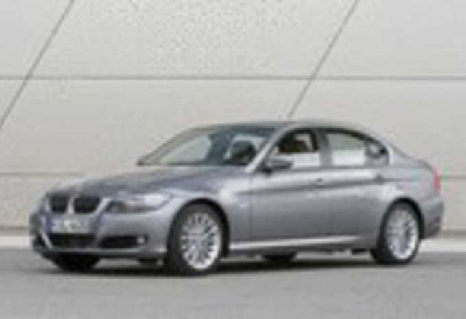 BMW 318d, 320xd Touring & 330d #1