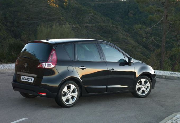 Renault Scénic 2.0 dCi A #1