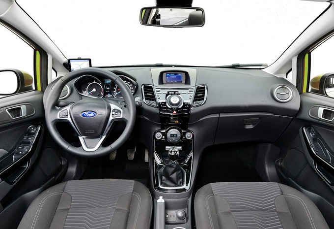 images ford fiesta 1 0 ecoboost 125 moniteur automobile. Black Bedroom Furniture Sets. Home Design Ideas