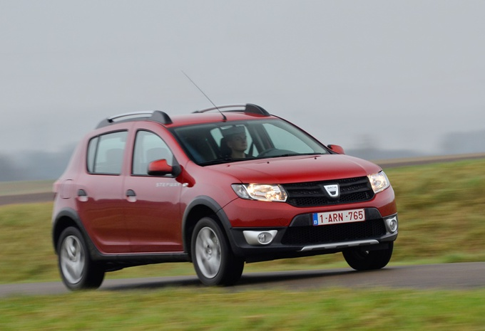 foto 39 s dacia sandero stepway 1 5 dci autogids. Black Bedroom Furniture Sets. Home Design Ideas