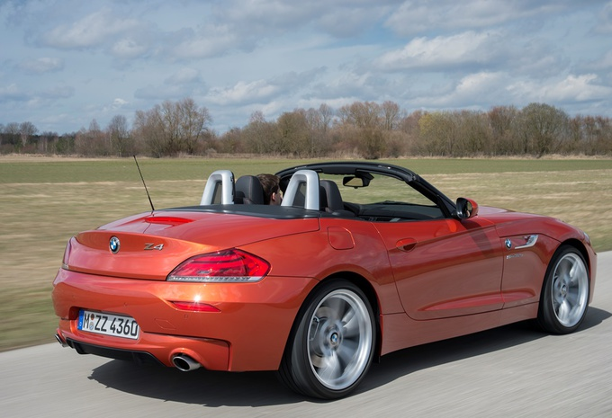 images bmw z4 sdrive 35is moniteur automobile. Black Bedroom Furniture Sets. Home Design Ideas