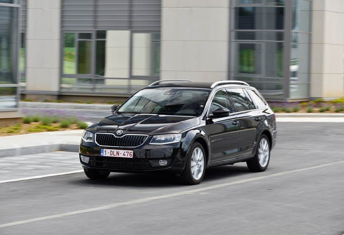essai skoda octavia combi 1 6 tdi 105 dsg moniteur automobile. Black Bedroom Furniture Sets. Home Design Ideas
