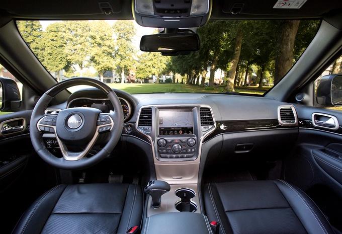 images jeep grand cherokee 3 0 crd overland moniteur automobile. Black Bedroom Furniture Sets. Home Design Ideas