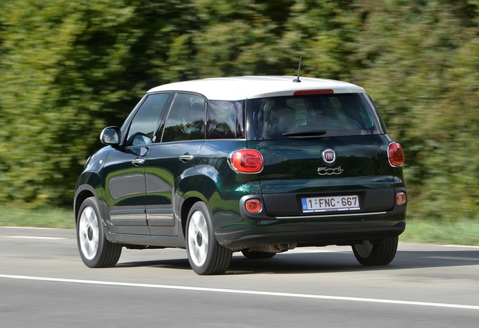 images fiat 500l living 1 6 mjet 105 moniteur automobile. Black Bedroom Furniture Sets. Home Design Ideas