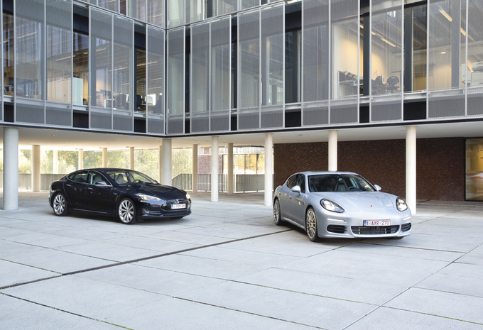 Porsche Panamera S E-Hybrid vs Tesla Model S P85 : Sportivité verte #1