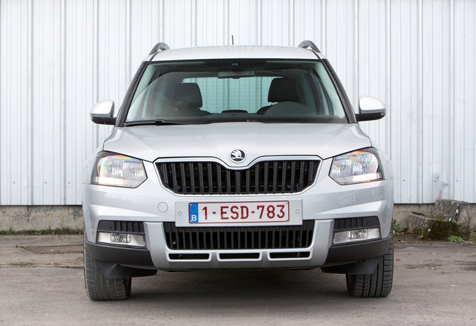 images skoda yeti 2 0 tdi 110 4x4 moniteur automobile. Black Bedroom Furniture Sets. Home Design Ideas