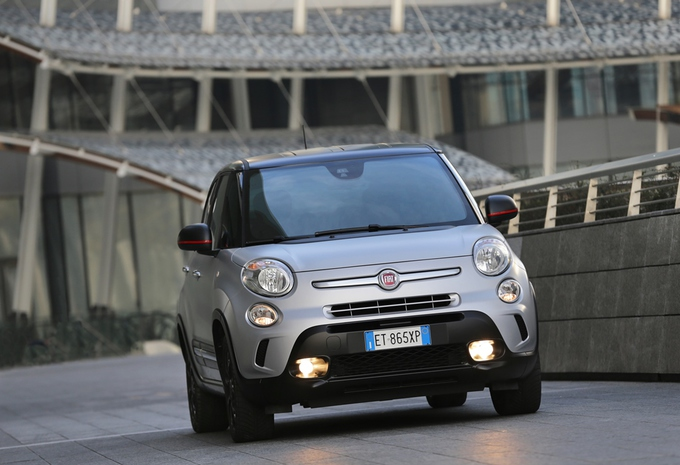 images fiat 500l beats edition moniteur automobile. Black Bedroom Furniture Sets. Home Design Ideas