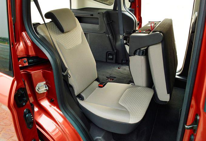 images ford tourneo courier moniteur automobile. Black Bedroom Furniture Sets. Home Design Ideas