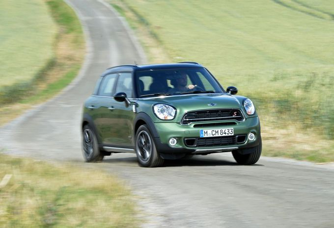 images mini countryman et paceman moniteur automobile. Black Bedroom Furniture Sets. Home Design Ideas