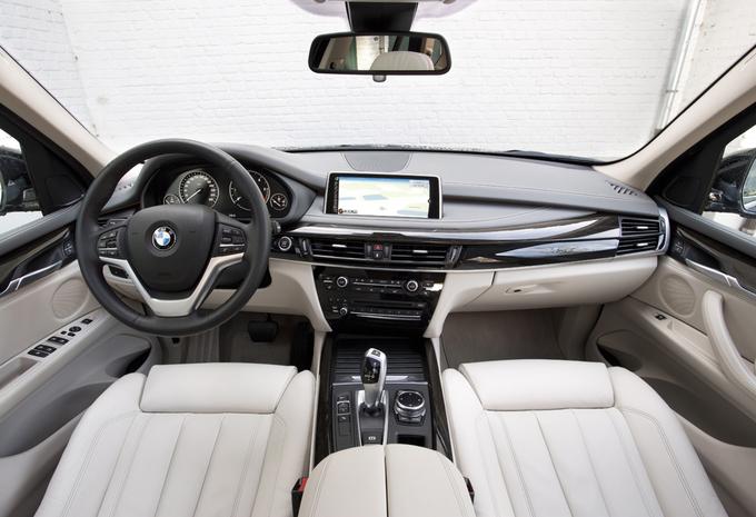 images bmw x5 sdrive 25d moniteur automobile. Black Bedroom Furniture Sets. Home Design Ideas