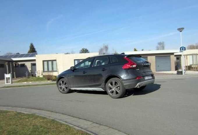VOLVO V40 CROSS COUNTRY D3 (1) #1