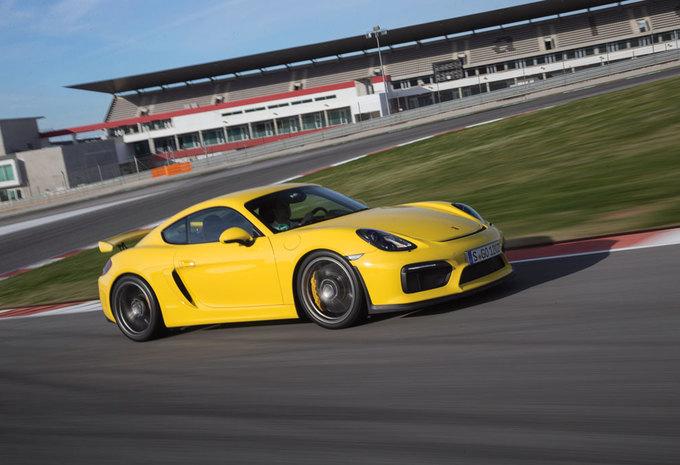 Porsche Cayman GT4 (2015) #1