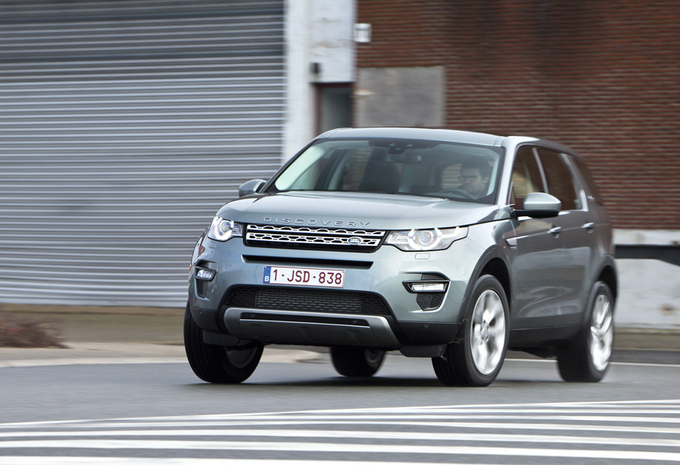 images land rover discovery sport td4 hse moniteur automobile. Black Bedroom Furniture Sets. Home Design Ideas