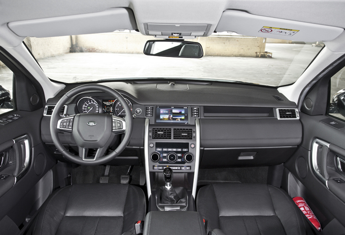 images land rover discovery sport td4 hse moniteur. Black Bedroom Furniture Sets. Home Design Ideas