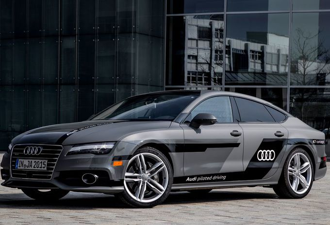 images audi a7 sportback piloted driving k2000 moniteur automobile. Black Bedroom Furniture Sets. Home Design Ideas
