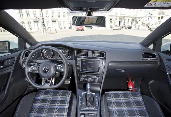 images volkswagen golf gte moniteur automobile. Black Bedroom Furniture Sets. Home Design Ideas