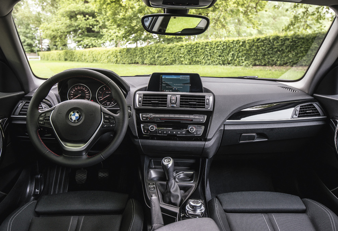 foto 39 s test bmw 116d 1 reeks 2015 autogids. Black Bedroom Furniture Sets. Home Design Ideas