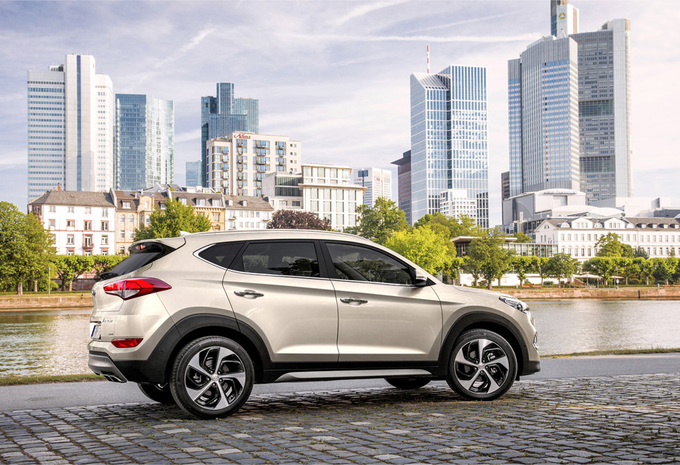 images essai nouvelle hyundai tucson 2015 moniteur automobile. Black Bedroom Furniture Sets. Home Design Ideas