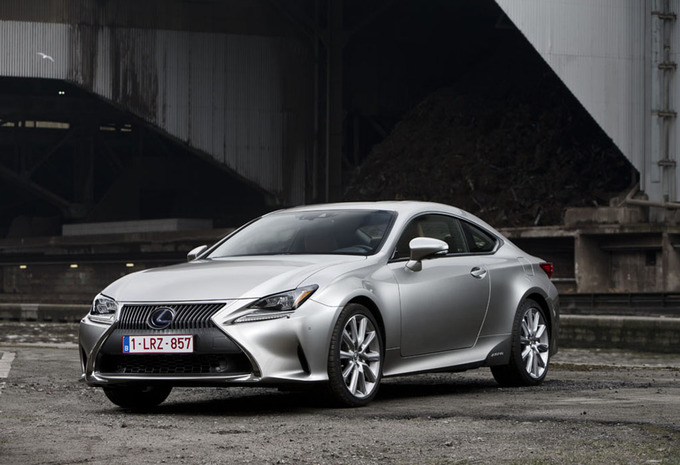 essai lexus rc 300h 2016 moniteur automobile. Black Bedroom Furniture Sets. Home Design Ideas