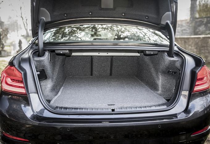 BMW-530d-2017-12.jpg