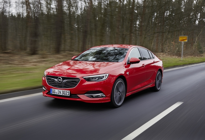 test opel insignia grand sport 2 0 cdti 2017 autowereld. Black Bedroom Furniture Sets. Home Design Ideas